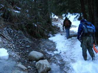 The hike up to the spring(Scenic)