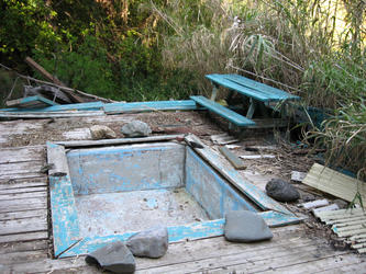 old pool without water piped to it (Gilroy)