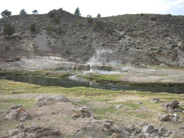 steaming springs (hot Creek)