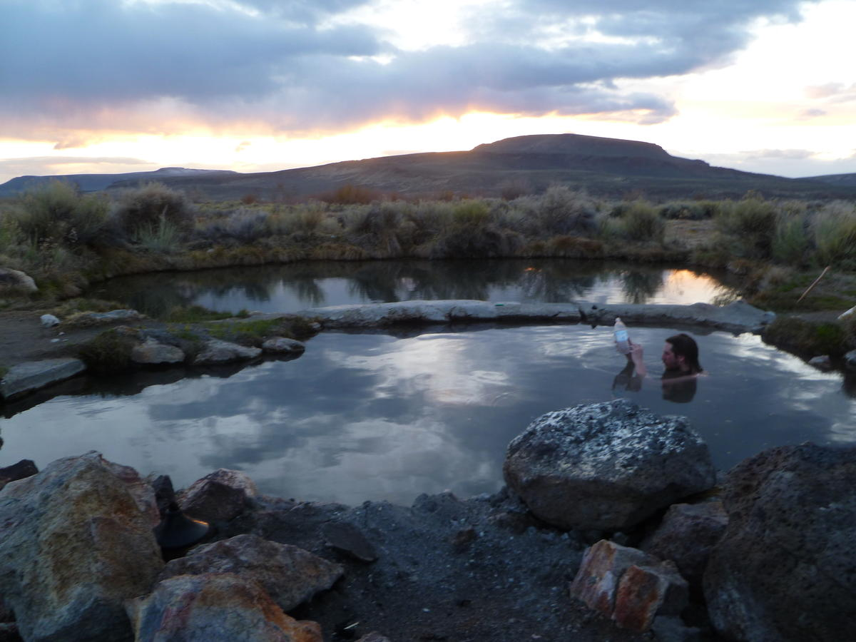 Willow creek whitehorse hot springs hotwaterslaughter for Lodge at willow creek